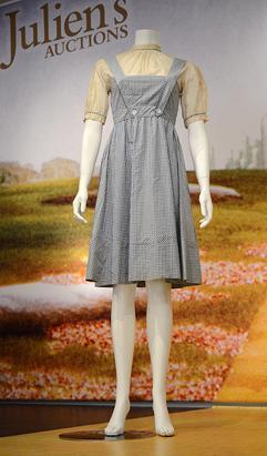 gty_judy_garland_wizard_of_oz_gingham_dress_ss_jt_121111_ssv.jpg
