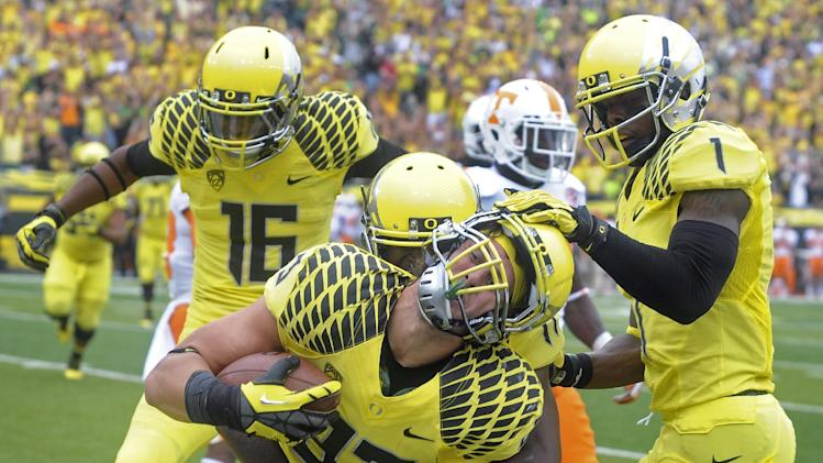 TE Mundt makes a splash for No. 2 Oregon