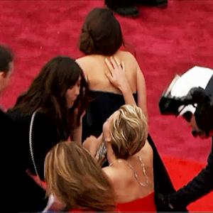 Jennifer Lawrence takes tumble at Oscars