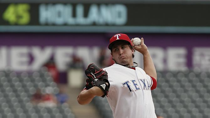 Rangers edge Mariners 1-0 to snap 8-game slide
