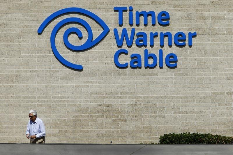 Time Warner Cable loses fewer video subscribers