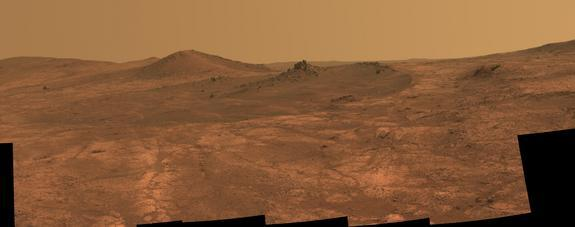 Opportunity Rover Sees Rock Spire in Mars Crater (Photo)