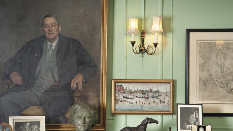 Art owned by TS Eliot's widow on sale