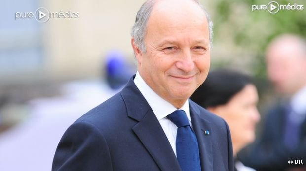 Laurent Fabius appelle Europe 1 en direct pour corriger une information
