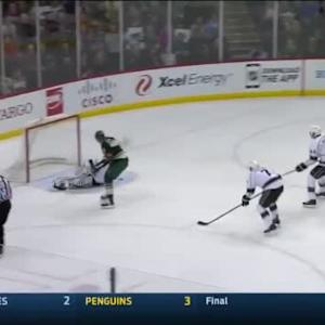 Jonathan Quick Save on Thomas Vanek (07:13/1st)