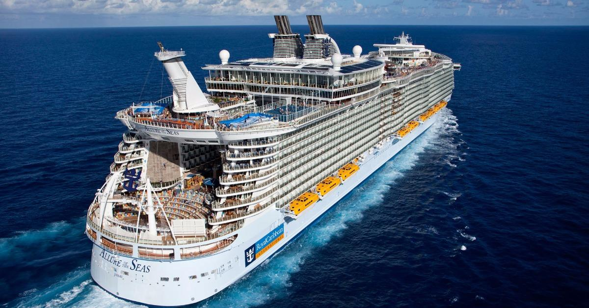 See the Largest Cruise Ship in the World (Photos)
