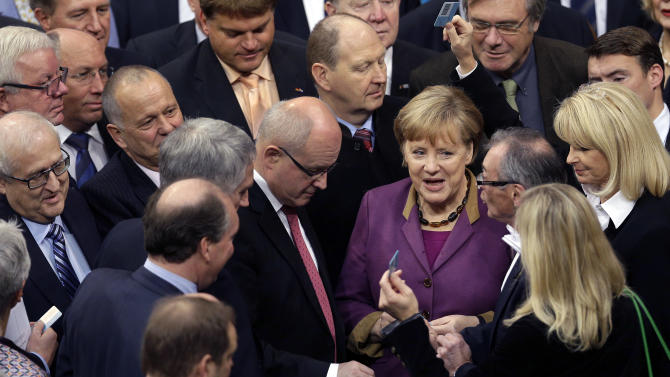 Merkel acknowledges Germans' frustration on Greece