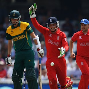 England strangle South Africa to reach final