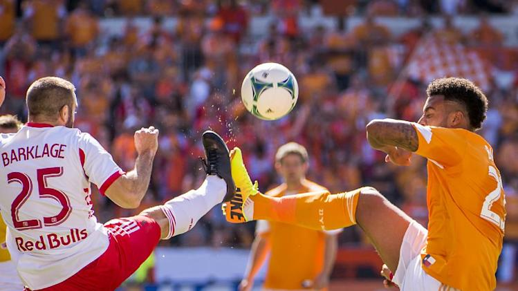 Garcia, Barnes lead Dynamo past United, 2-1
