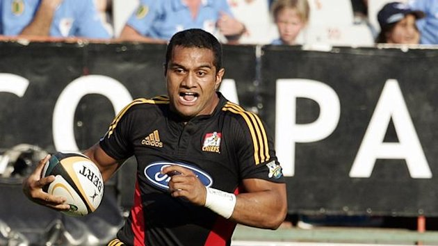Chiefs wing Lelia Masaga (L)