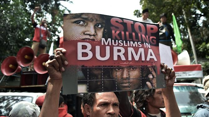 An Indonesian protester takes part in a rally in front of the Myanmar embassy in Jakarta on May 26, 2015, in reaction to the persecution of ethnic Rohingyas