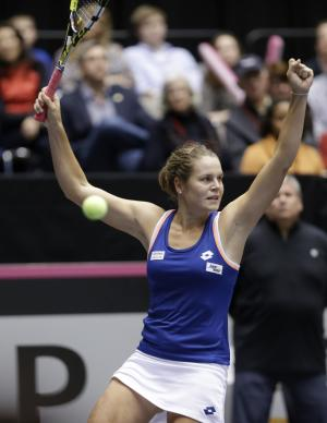 Italy takes 2-0 lead over US in Fed Cup