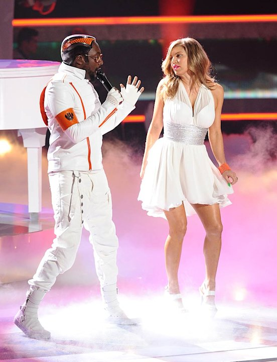 Black Eyed Peas Idol Performance