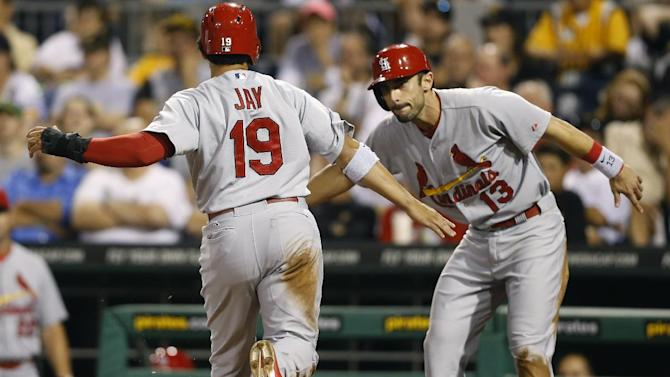 Holliday's hit lifts Cardinals over Pirates 3-2