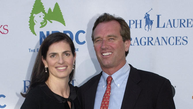 FILE - In this May 6, 2004 file photo, Robert F. Kennedy Jr., right, and his wife Mary Richardson Kennedy arrive at the Natural Resources Defense Council, or N.R.D.C., fundraiser in Los Angeles. An attorney on Wednesday, May 16, 2012 said Mary Kennedy has been found dead on Robert F. Kennedy Jr.'s property in Bedford, N.Y.  (AP Photo/Chris Urso, File)
