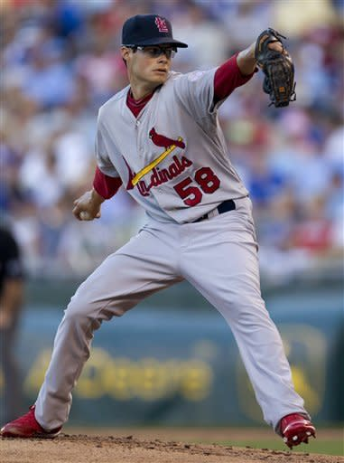 Beltran powers Cardinals to 11-4 win over Royals