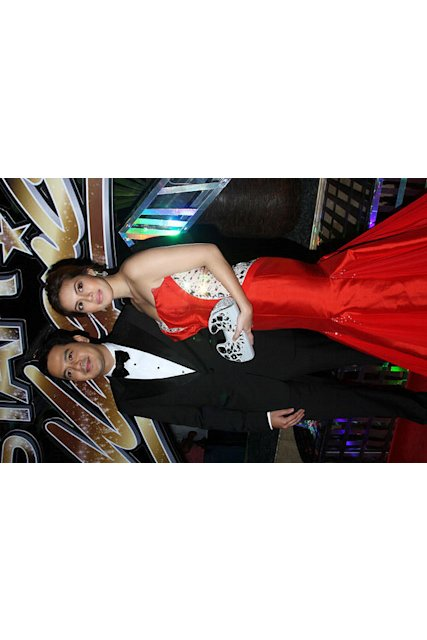 John Lloyd Cruz and Shaina Magdayao