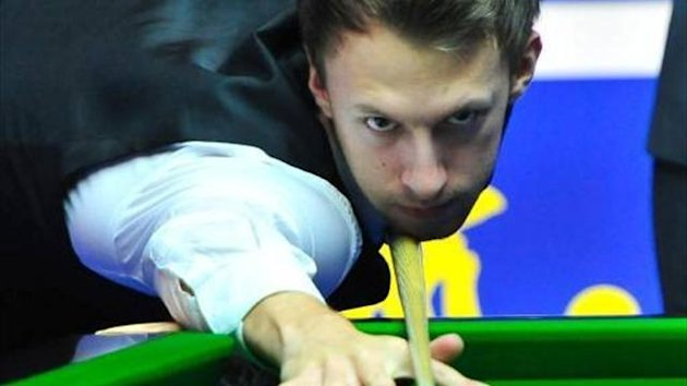 Judd Trump on his way to completing a 5-1 win over Nigel Bond