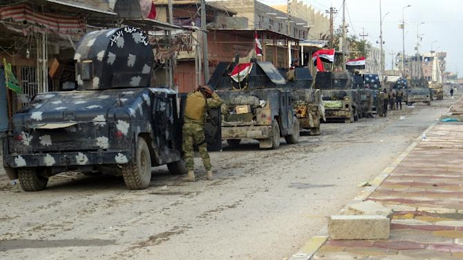 Iraqi pro-government forces try to secure all the neighbourhoods of Ramadi on January 1, 2016