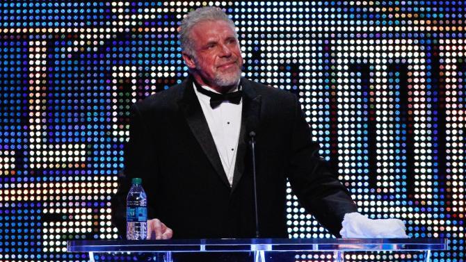 Former pro wrestler Ultimate Warrior dies at 54