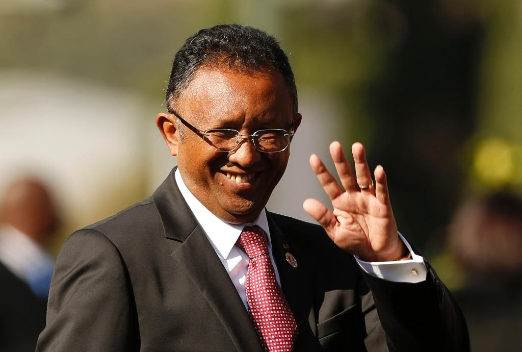 Deficit of support for Madagascar's accountant president