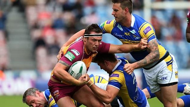 Shaun Lunt scored two tries as Huddersfield beat Leeds Rhinos