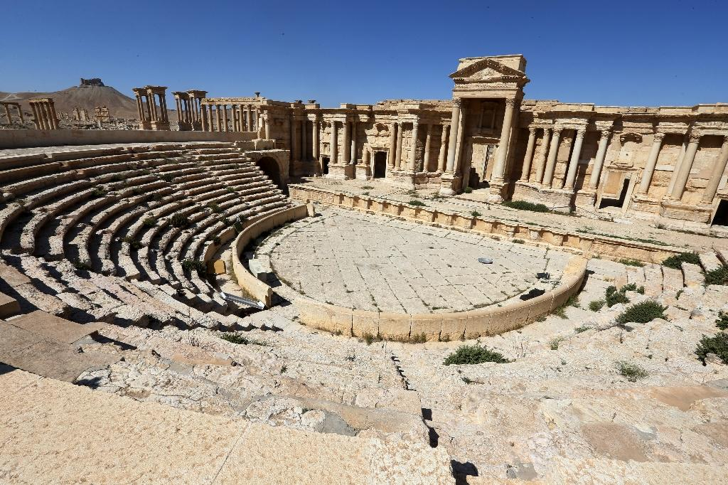 IS wreaks new destruction in Syria's ancient Palmyra