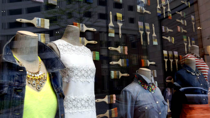 Retailers report modest gains for April
