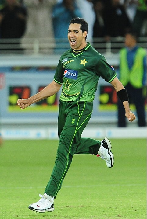 Pakistan's Umar Gul celebrates with his