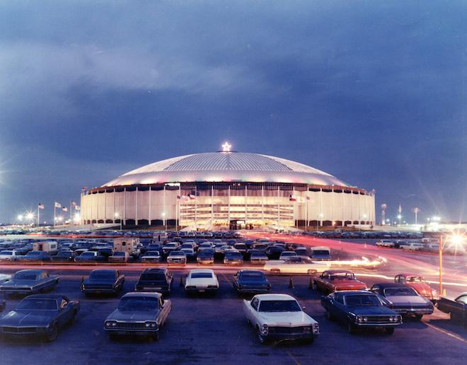 Preservation Watch : Should the Astrodome Become a Lush Indoor Park with Zip-Lines and Bike Trails?