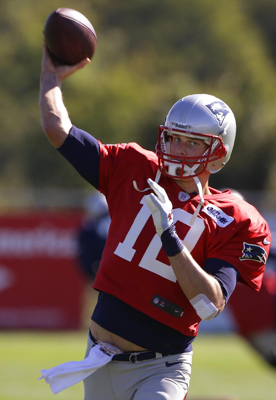 Brady, Patriots prep for familiar foe in Revis