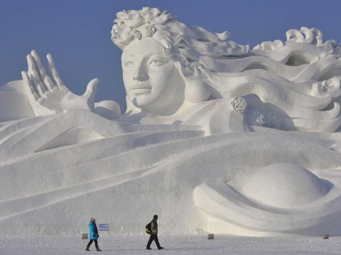 snow scultpure
