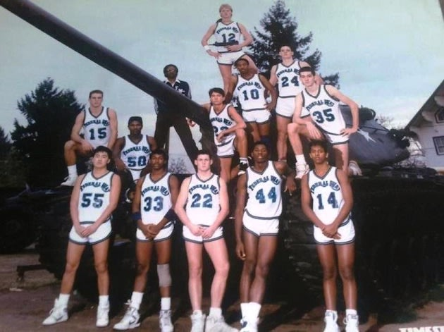 The 1988 state champion Federal Way basketball team — Twitter