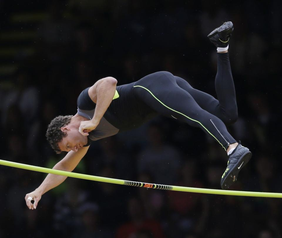Brad Walker clears the bar in the pole vault final at the U.S. Olympic Track and Field Trials Thursday, June 28, 2012, in Eugene, Ore. (AP Photo/Matt Slocum)