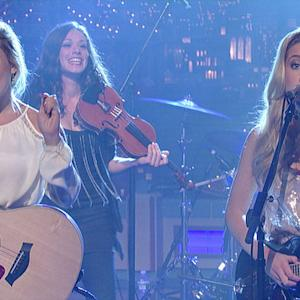 "Maddie & Tae: ""Girl In A Country Song"" - David Letterman"