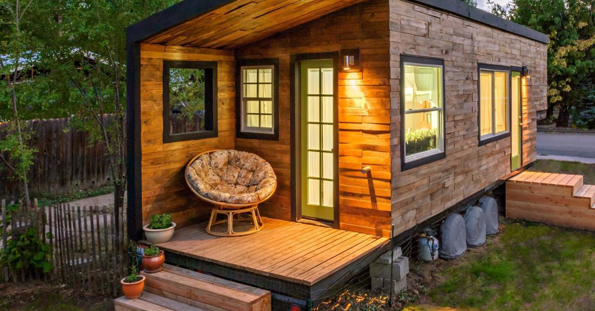 Look At This Tiny Home He Built For Less Than $500