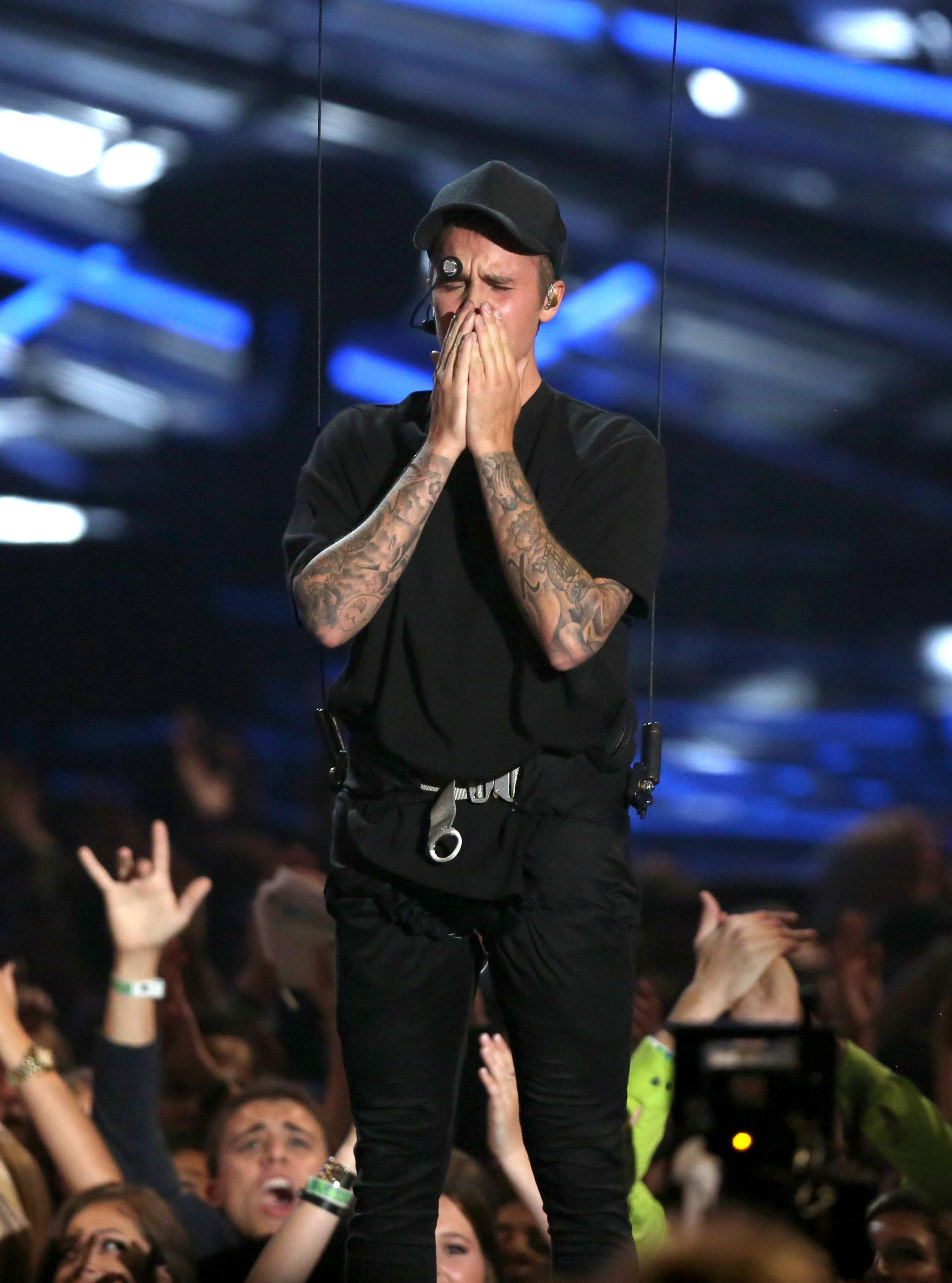 Bad Blood & Bieber Tears: The 2015 VMAs' Most Memorable Moments