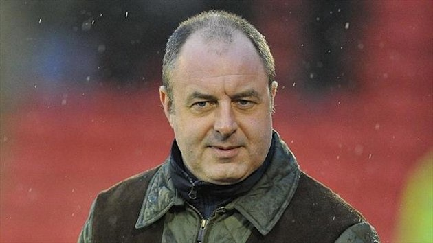 Keith Hill has committed his future to Rochdale