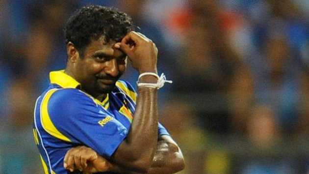 Sri Lanka&#39;s Muttiah Muralitharan reacts after bowling during their ICC Cricket World Cup final match against India in Mumbai April 2, 2011.