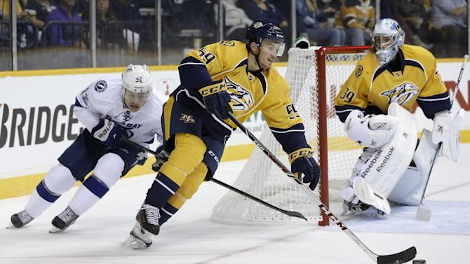 Rinne stops 14 shots as Predators beat Lightning