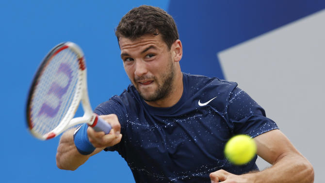 Dimitrov upsets top-seeded Wawrinka at Queen's