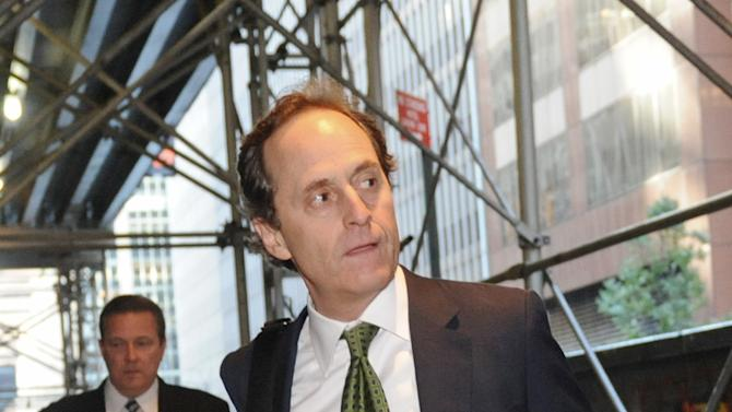 Joel Litvin, President of League and Basketball Operations for the National Basketball Association, arrives at a midtown hotel where NBA labor talks are scheduled to resume, Saturday, Nov. 5, 2011, in New York. (AP Photo/ Louis Lanzano)