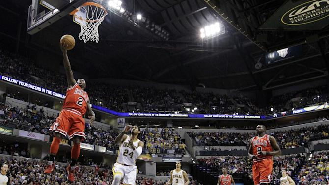 Chicago Bulls' Nate Robinson (2) shoots during the first half of an NBA basketball game against the Indiana Pacers, Sunday, March 3, 2013, in Indianapolis. (AP Photo/Darron Cummings)