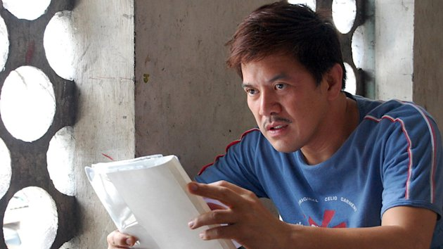 Director Brilliante Mendoza on the set of Regent Releasing's Serbis - 2009