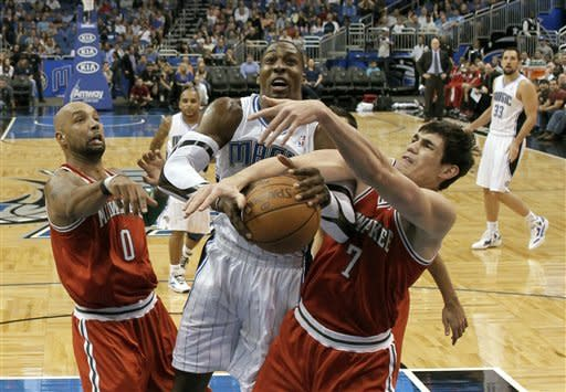 Howard helps Magic finish sweep of Bucks