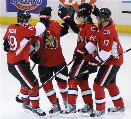 Senators overwhelm Caps 5-2