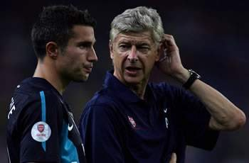 Vermaelen remains optimistic Van Persie will continue playing at Arsenal next season