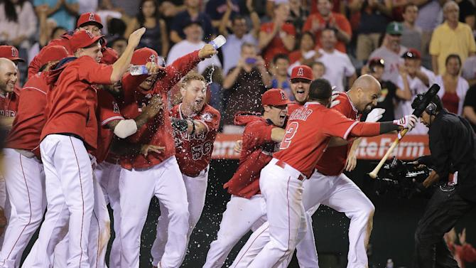 Pujols' HR in 19th lifts Angels over Red Sox 5-4