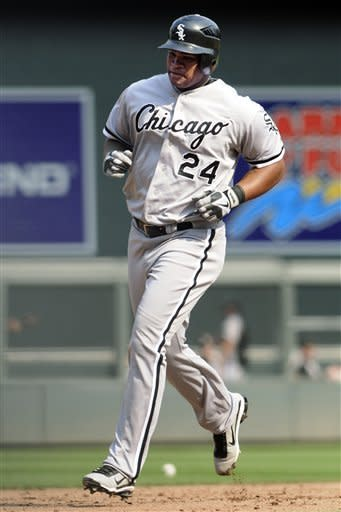 Viciedo and Dunn homer as White Sox beat Twins