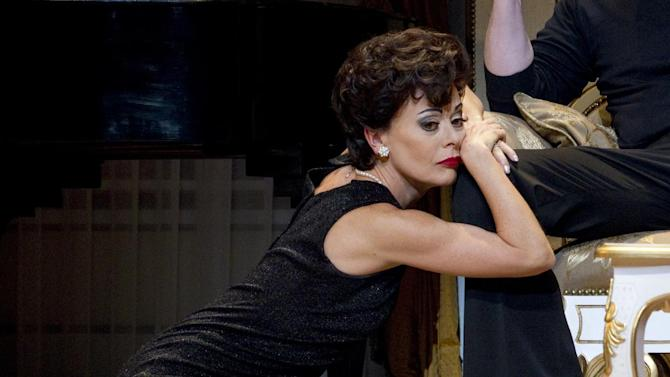 "In this undated theater image released by The O & M Company, Tracie Bennett is shown in a scene from ""End of the Rainbow,"" in New York. Bennett is nominated for a Tony Award for female leading actress in a play.  (AP Photo/The O & M Company, Carol Rosegg)"
